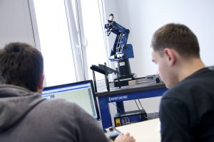 Laboratorium Zaawansowanych Technologii Robotyzacji iAutomatyzacji