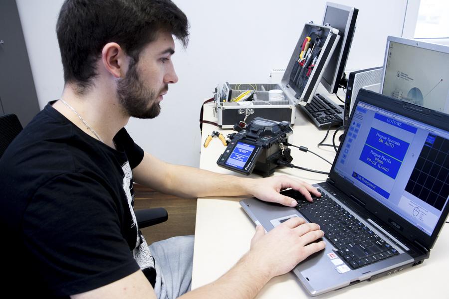 CEM wKielnarowej. Laboratorium Projektowania Sieci Komputerowych iTeleinformatycznych.