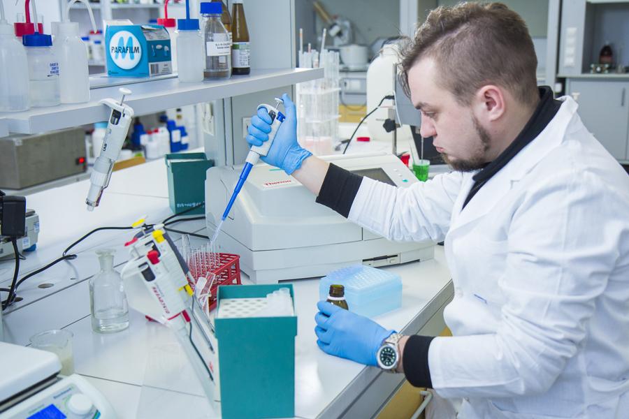 CEM wKielnarowej. Laboratorium Chemii Kosmetycznej.