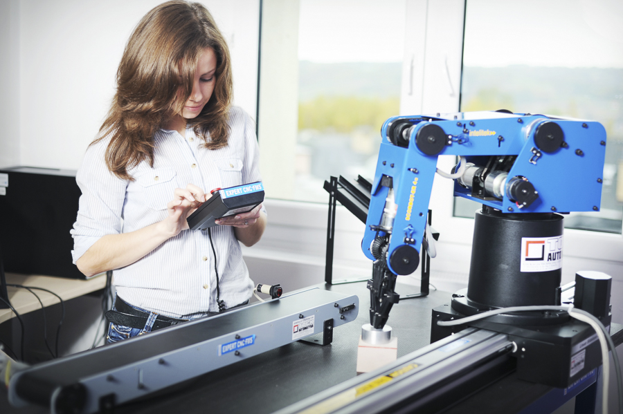 CEM wKielnarowej. Laboratorium Automatyki iRobotyki.