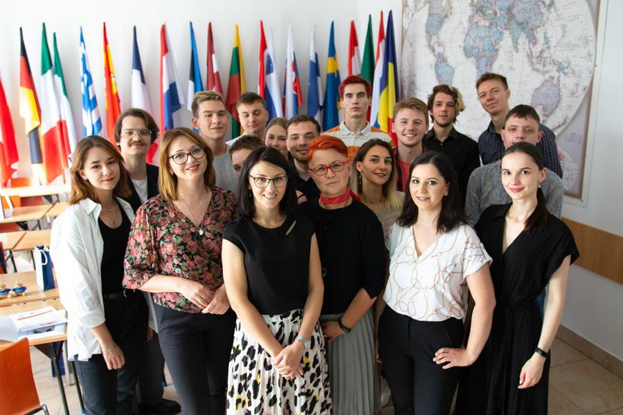 Graduacja Białorusini WSIiZ Program Kalinowskiego